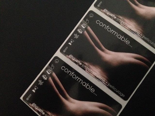 Etiquette adhésive - autocollante - synthétique -