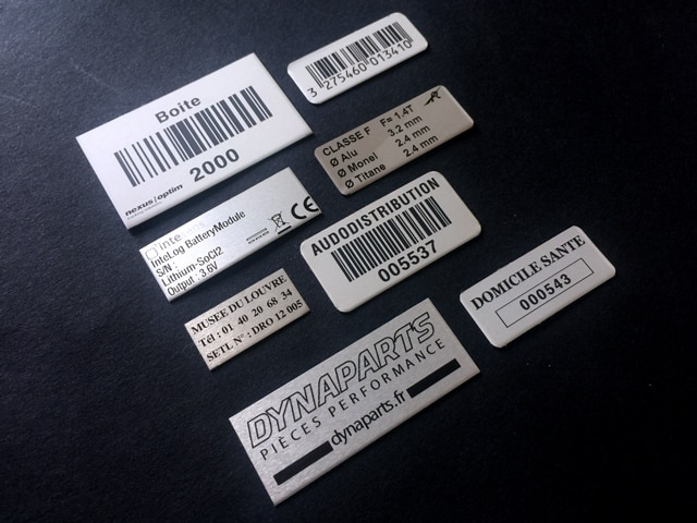 étiquette industrielle aluminium-metal-propriété